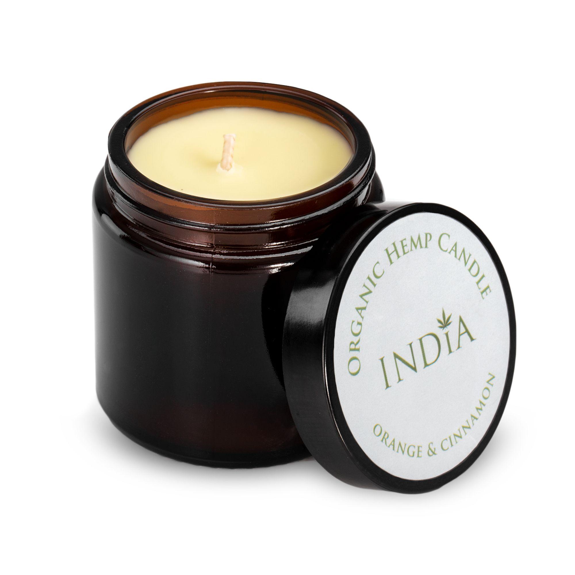 Hanf-Kerze 'Orange & Zimt' mit Hanf-Öl von India Cosmetics